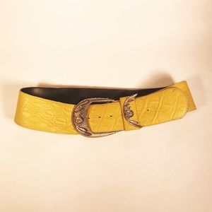 Vintage Yellow Textured Leather Belt w/Gold Buckle